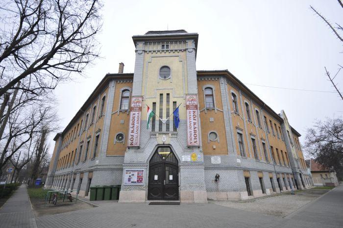 kos-iskola