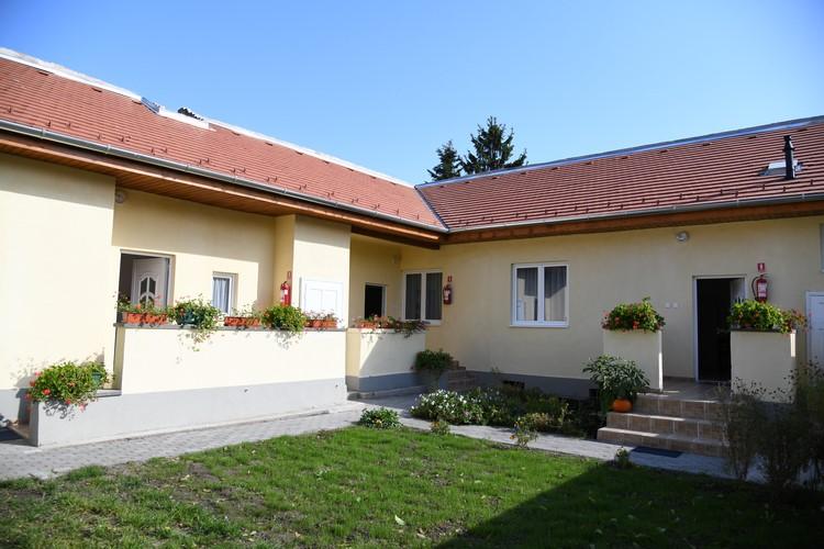 Három új lakást adtak át az átmeneti otthonban